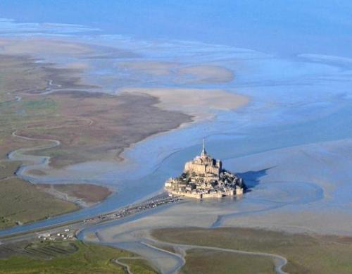 mont saint Michel, normandie, Genêts