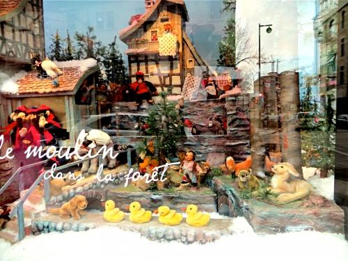 vitrine ogilvy, montréal,Noël 2013,photos,moulin dans la forêt